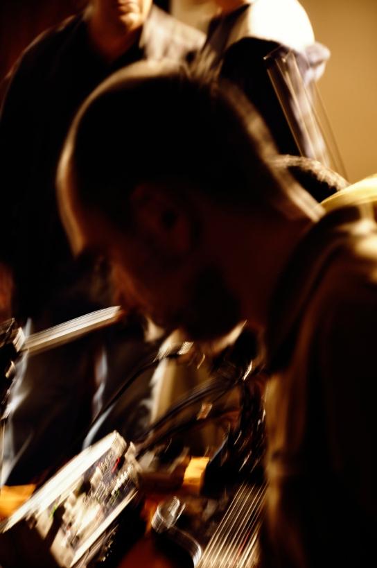 75. Difondo - Live in Ala 12.10.12 (Sergio Camedda - sampler)